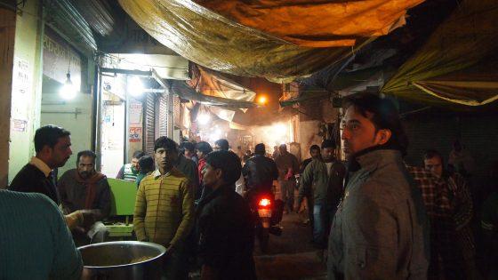 バラナシのムスリム地区。ここでは肉料理も食べることも。